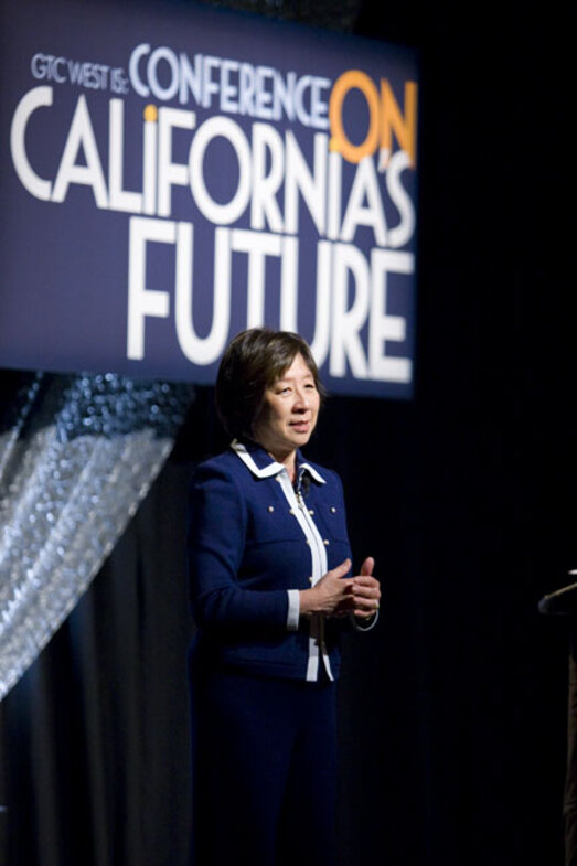 California CIO, Teri Takai, introduces keynote Mark Hurd