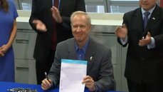 Illinois Gov. Bruce Rauner signs House Bill 5611, codifying the Department of Innovation and Technology into law.