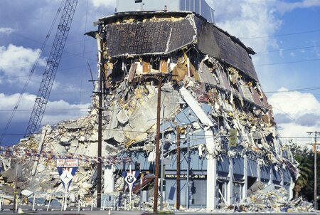 A demolished building at Olympic Boulevard after the Northridge earthquake in 1994.