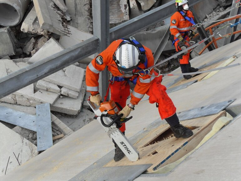 Advanced certificate program training focuses on structural collapse response