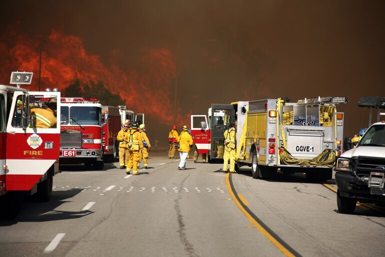 Firefighters respond to southern California fires