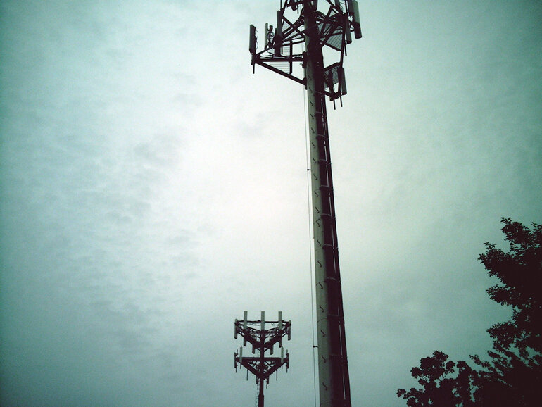 Stingray Devices Pose as Cell Tower