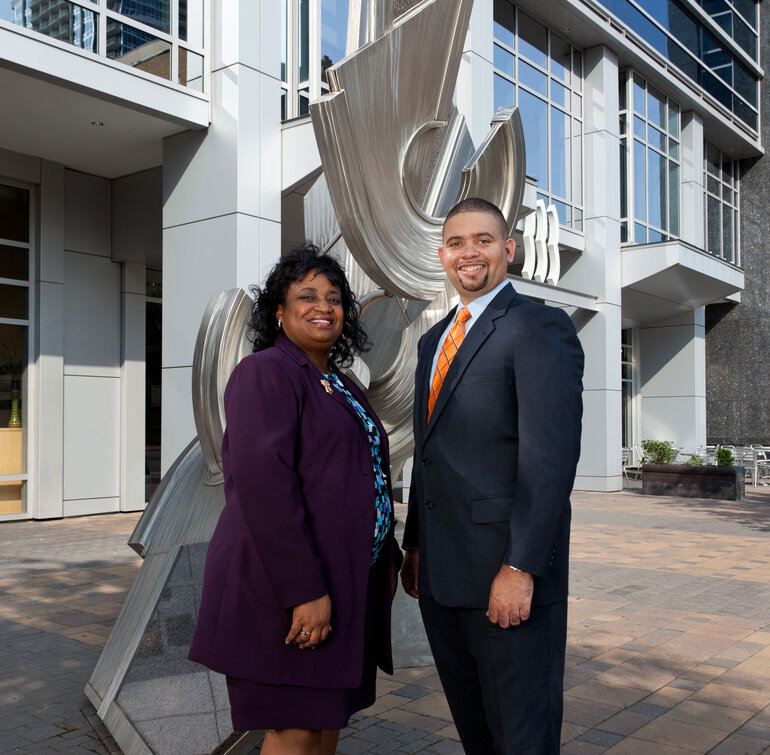 Gwen Simmons and Jeff Stovall have successfully cross-sourced IT staff in North Carolina.