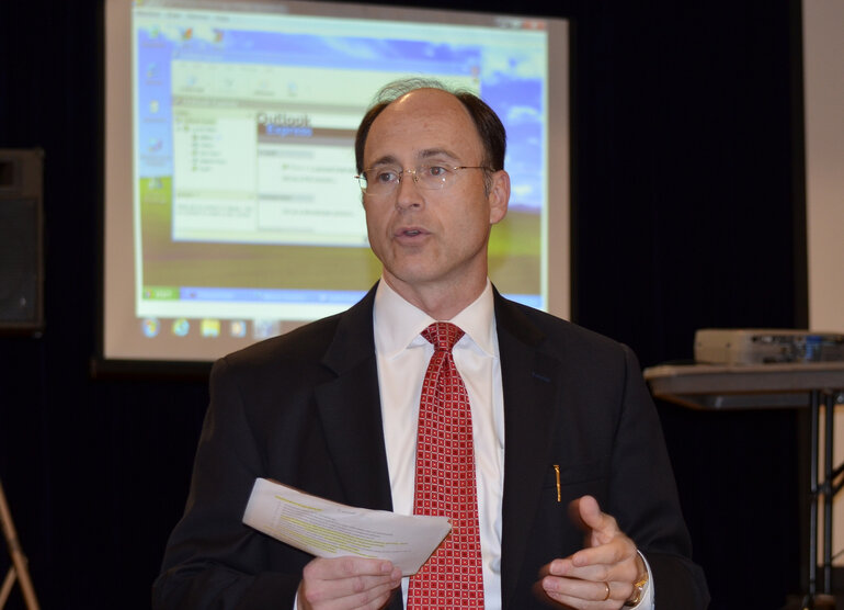 Mark Young of U.S. Cyber Command conducts an ethical hacking demonstration at the USCYBERCOM Conference in Sept. Cook County Illinois will leverage best cybersecurity practices from the federal government in its employee training program