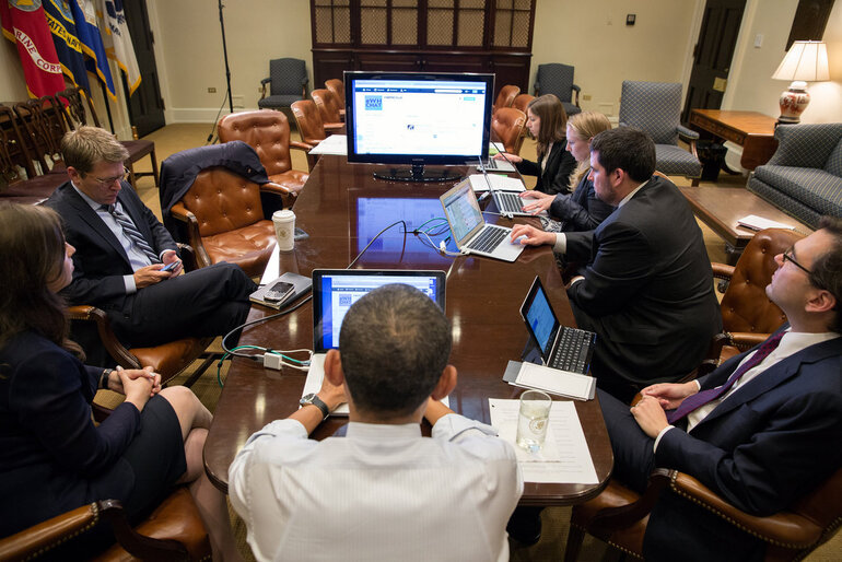 Obama participates in a live Twitter question and answer session