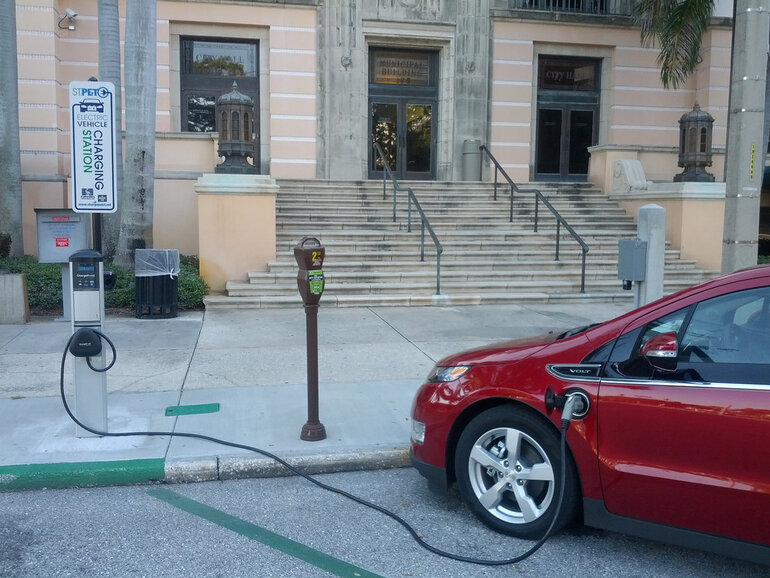 EV charging in St. Petersburg, Fla.