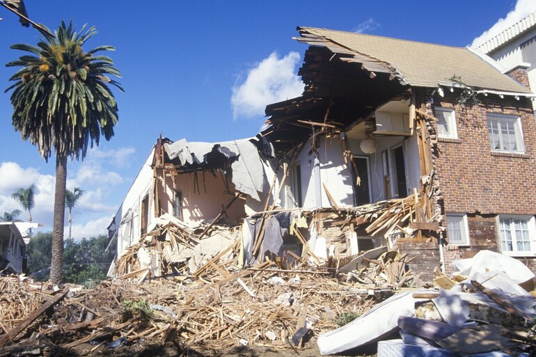 Santa Monica apartment building destroyed by the Northridge earthquake in 1994
