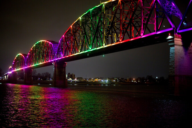 Louisville, Ky.'s Big Four Pedestrian/Bicycle Bridge