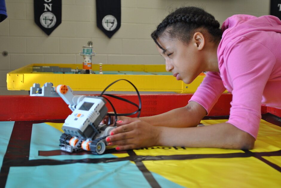 Idaho Middle School Uses Robotics In Classes To Teach Problem Solving