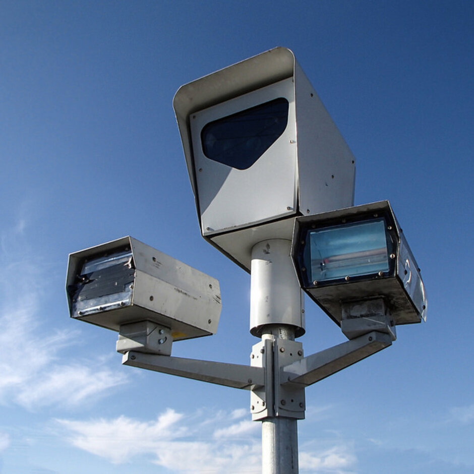 Red Light Cameras Tag Thousands Of Chicago Drivers For Undeserved Tickets